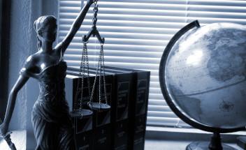 法務・契約書・社内規定類